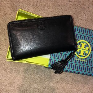 Tory Burch long wallet